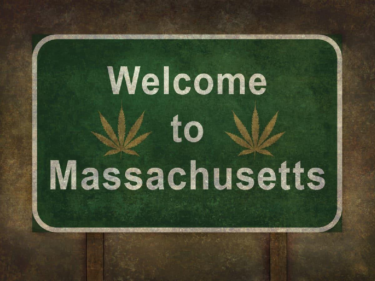 Massachusetts Hasn't Even Issued One Legal Marijuana Business License Yet